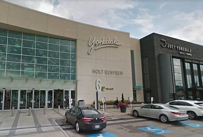 Police investigate gunshots at toronto mall cloverdale reporter police investigate gunshots at toronto mall ccuart Choice Image